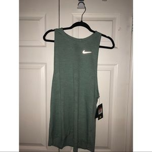 Women's Nike Tank - L